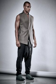 Brown Heavy Wool Vest / Tailored Vest with Raw Cut Hem / Brown Vest with Shift Bonded Seams / Futuristic Mens Clothing / Urban Vest / POWHA Cropped Linen Trousers, Black Linen Pants, Wool Overcoat, Wool Vest, Drop Crotch Shorts, Shirt Collar Styles, Mens Black Shirt, Brown Vest, Linen Jackets