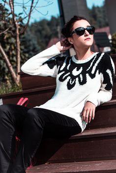 Sunny ! Black&White sweater Vila.