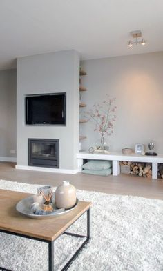 Home Decor – Living Room : Wandplank voor Nis – haard tv – -Read More – Living Room Tv, Living Room Interior, Home And Living, Tv Above Fireplace, Fireplaces With Tv Above, Linear Fireplace, Fireplace Ideas, Fireplace Design, Living Room Inspiration