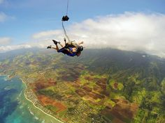 Skydiving in Hawaii | Oahu | Kaena Point | North Shore | The Wandering Five