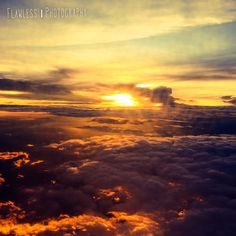#sunset #braziltochile #saopaulotosantiago #flight #airplane #blessed #nofilter @flawlessphot by: @amandacunh 📷