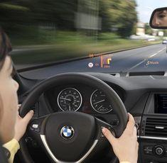 Das Auto wird zum Kino dank Augmented Reality. Was heute noch kaum vorstellbar klingt, könnte in ein paar Jahren vielleicht schon Wirklichkeit sein.