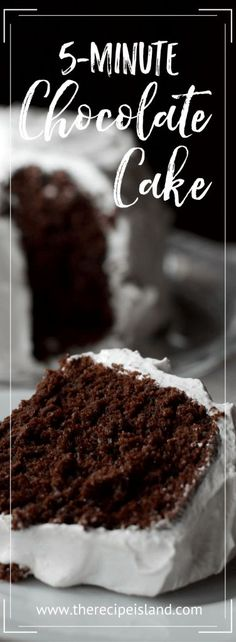 This chocolate cake is quick! You simply add all the ingredients to one bowl, mix, and in five minutes it's ready to go into the oven. Easy Chocolate Desserts, Vegetarian Chocolate, Easy Desserts, Delicious Desserts, Dessert Recipes, Chocolate Cakes, Easy Sweets, Cupcake Recipes, Cookie Recipes
