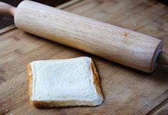普通のトーストに飽きてきたという人に朗報。ロールアップという新しいトーストの食べ方が、今とっても話題になっているんです。そんな「ロールアップトースト」を徹底解剖します!