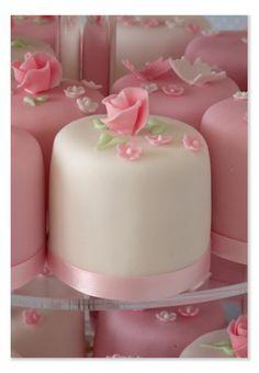Pink & White Mini Cakes - pretty inspiration