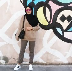 Casually posing with my thriftshop goodies lol 😎 My shirt and pants costs 4 dt 😆 what do you think ! Hijab Casual, Hijab Chic, Hijab Outfit, Fashion Couple, Girl Fashion, Fashion Outfits, Moslem Fashion, Street Hijab Fashion, Hijab Fashion Inspiration