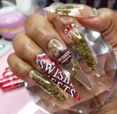 In Honor Of 4/20 ✅✅ @Longhairprettynails DID THIS SET ‍♀️✅ Posted By: @Dadollhouse