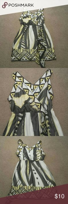 New York & Company dress In excellent condition, no pulls, rips or stains, smoke-free and pet-free home, 17 inches across the chest, 36 inches long, black, white and yellow New York & Company Dresses