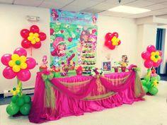 Strawberry shortcake birthday party decor
