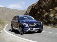 Mercedes mostra nova geração do SUV ML, chamada de GLE +http://brml.co/1IDfVJy