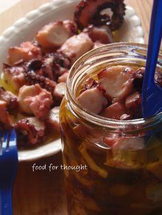 Χταπόδι ξυδάτο http://laxtaristessyntages.blogspot.gr/2013/08/xtapodi-xidato.html