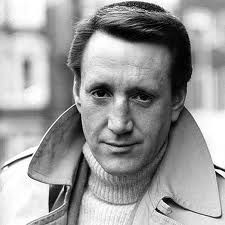 """Roy Scheider was an actor and amateur boxer. He gained fame for his leading and supporting roles in several iconic films from the 1970s, playing Police Chief Martin C. Brody in """"Jaws"""" ...He underwent bone marrow transplant to treat the cancer in June 2005. He died on February 10, 2008.http://www.imdb.com/name/nm0001702/bio"""