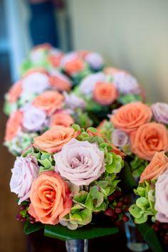 Love these #simple + #elegant #bouquets. ::Katherine Marie + Greg's wonderful wedding at Rockmart First United Methodist Church in Rockmart, Georgia:: #roses #orange #peach #pink #white #green #starofbethlehem #floralarrangements #lovely #weddingphotography