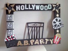 people could hold this up in pictures Movie Theater Party, Cinema Party, Movie Night Party, Party Photo Frame, Party Frame, Photo Booth Frame, Picture Frame, Hollywood Birthday Parties, Hollywood Theme