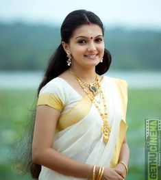 Being Married - Sasi Pradha Beautiful Girl Indian, Most Beautiful Indian Actress, Beautiful Saree, Beauty Full Girl, Beauty Women, Kerala Traditional Saree, Set Saree, Kerala Saree, Indian Sarees