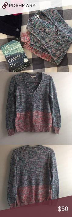 """🌲SALE! Madewell Sweater EUC Madewell V Neck Sweater. This heathered two tone sweater is super colorful! Top half is a combination of navy, pink, green and white, bottom half is red, pink, green and white. Measures approximately 18.5"""" flat across armpit to armpit and 26"""" top to bottom hem. Adorable with skinnies and boots! Madewell Sweaters V-Necks"""