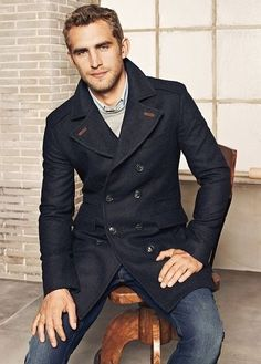 Navy Wool Double Breasted Peacoat. Men's Fall/Winter Fashion.