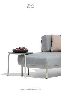 Modulare Gartenmöbel Garnitur für kreative Chiller.   Stelle Deine individuelle Lounge Möbel Garnitur in Deinen Lieblingsfarben zusammen.   Wir helfen Dir dabei. Erstinformation und Beratung unter  43 699 15990977.  Gartenmöbel Edelstahl produziert in Europa aus europäischen Komponenten.  Wir liefern direkt zu Dir nachhause.  #gartenmoebel, #polstermoebelgarten, #riesprodesign Outdoor Sofa, Outdoor Furniture, Outdoor Decor, Lounge Design, Modular Sofa, Home Decor, Europe, Chair, Garden Furniture Design