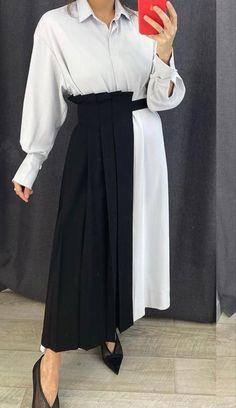 Waist Skirt, High Waisted Skirt, Skirts, Fashion, Moda, Fashion Styles, Fashion Illustrations, Fashion Models, Gowns