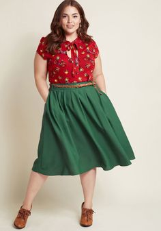 Plus Size Clothing at ModCloth comes in a variety of trendy & unique styles. Shop our selection of plus size fashion dresses, tops & more plus size outfits! Curvy Girl Outfits, Petite Outfits, Curvy Girl Fashion, Plus Size Fashion Dresses, Plus Size Fashion For Women, Look Plus Size, Mode Plus, Plus Size Skirts, Looks Vintage