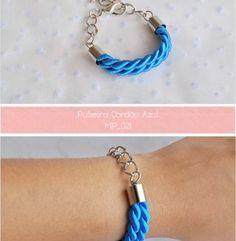 4,50€ in http://artemix.pt/produto/pulseira-cordao-azul
