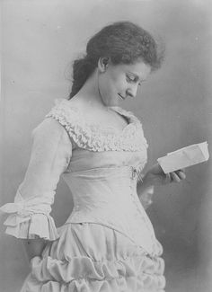 Miss Leduc, Montreal, QC, 1881 - one cannot help but wonder what, if indeed there was a note, was written on that little piece of paper.
