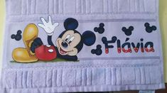 Minnie Mouse, Snoopy, Disney Characters, Toddler Towels, Bath Linens, Needlepoint, Flowers, Mini Mouse, Disney Face Characters