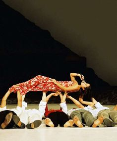 Masurca Fogo Tanztheater Wuppertal Pina Bausch