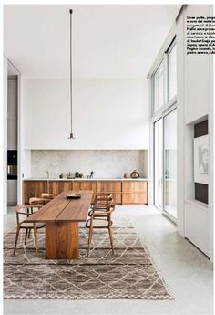 Modern apartment design done perfectly. We will be using this cabinetry as inspo… Modern apartment design done perfectly. We will be using this cabinetry as inspo for an upcoming client project. Dining Room Inspiration, Home Decor Inspiration, Design Inspiration, Decor Ideas, Kitchen Dining, Kitchen Decor, Kitchen White, Minimal Kitchen, Dining Table