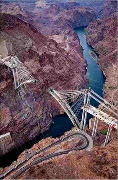 Detalhes da construção de uma ponte