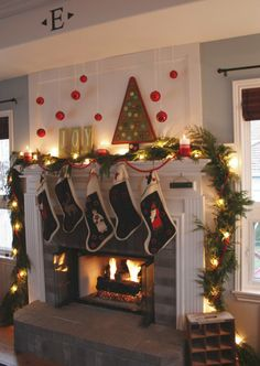 5 days of Christmas inspiration: Merry Mantels - The Frugal Homemaker | The Frugal Homemaker