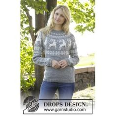 """Silver Stag Cardigan & DROPS - Knitted DROPS jacket with round yoke, reindeer pattern, worked top down in """"Karisma"""". Size: S - XXXL. - Free pattern by DROPS Design Drops Design, Fair Isle Knitting, Free Knitting, Sweater Knitting Patterns, Knit Patterns, Christmas Knitting, Christmas Sweaters, Crochet Christmas, Christmas Stocking"""