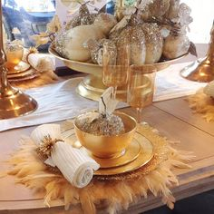 Beautiful photo of one of our gorgeous tablescapes via Dining Room Table Decor, Deco Table, Diy Christmas Balls, Xmas, Dresser La Table, Table Centerpieces, Table Decorations, Dallas, Beautiful Table Settings