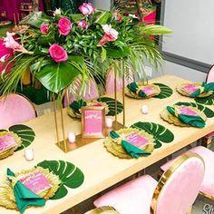 Kianah & Andrae's Glam Safari Baby Shower 📸 @shamemoriesphotography #babyshower #decor #details #glamsafari #beautifuljungle #nycevents #nyceventplanner #events #pinksafari #pinkjungle #sweet16 #glam #greenery #details #decor Luau Baby Showers, Tropical Bridal Showers, Tropical Party, Flamenco Party, Flamingo Rosa, Tropical Centerpieces, Baby Shower Pictures, Luau Wedding, Flamingo Birthday
