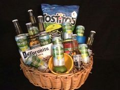 New Basket Gift Beer 46 Ideas Liquor Gift Baskets, Diy Gift Baskets, Basket Gift, Wine Baskets, Beer Gifts, Food Gifts, Craft Gifts, Fundraiser Baskets, Raffle Baskets