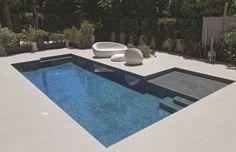 Piscine et spa living pool - patio. Luxury Swimming Pools, Dream Pools, Swimming Pools Backyard, Swimming Pool Designs, Backyard Landscaping, Small Patio Design, Backyard Pool Designs, Pool Spa, Ideas De Piscina