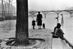 Henri Cartier-Bresson. Paris 1953 1st arr. Ile de la Cité. The Pont des Arts bridge seen from the Vert-Galant outlook