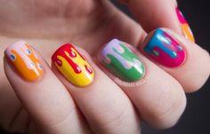 Diseños de uñas en colores, Diseños de uñas en colores vistosos.   #uñas #nails #uñasconbrillos