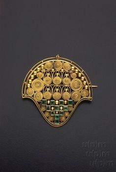 Before 1921, Prague, Czech Republic - Gold brooch