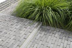 Terras - grijze betonklinkers smal