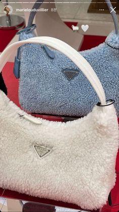 Luxury Purses, Luxury Bags, Sacs Design, Devil Wears Prada, Cute Purses, Cute Bags, Vintage Bags, Prada Bag, Mini Bag