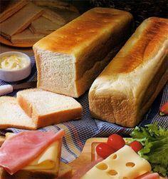 Pan de miga casero pasa sándwiches | Utimujer My Recipes, Cooking Recipes, Favorite Recipes, Frango Bacon, Salty Foods, Pan Bread, Artisan Bread, Sandwiches, Bakery