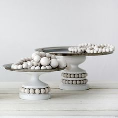 Aarikka Ruustinna and Keisarinna serving trays Lantern Candle Holders, Candle Lanterns, Candles, Home Board, Nordic Design, Egg Shells, Cake Plates, Crafty Projects, Textures Patterns