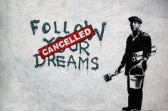 Nessuno sa chi è Banksy, ma tutti sanno chi è Banksy. - http://ilsassonellostagno.wordpress.com/2014/07/11/nessuno-sa-chi-e-banksy-ma-tutti-sanno-chi-e-banksy/