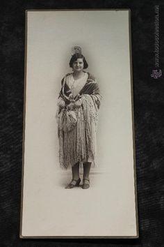 ELEGANTE SEÑORA CON MANTON Y PEINETA, FOTOGRAFO MATEO, MURCIA 1930 (Fotografía Antigua - Artística)