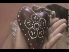 Huella representa una fracción de vida donde el amor y la pasión movilizan universos. filmado en una sola locación, con una cámara Sony casera, editado en Camtasia, Un reto creativo, mucho aprendizaje, diversión y amor.