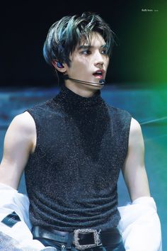 How can someone be this good looking, I'm in awe and angry [cr. Lee Taeyong, Winwin, Jaehyun, Nct 127, Rapper, Kdrama, Johnny Seo, Yuta, Fandoms