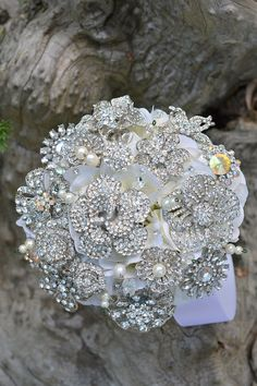 Bling-tastic brooch wedding bouquet