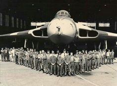 The Vulcan at RAF Waddington, 1982 - Avro Vulcan - Wikipedia Military Jets, Military Aircraft, Vickers Valiant, Airplane History, V Force, War Jet, Avro Vulcan, Delta Wing, Falklands War