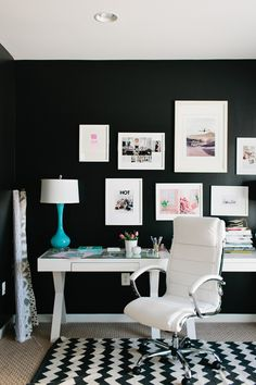 Black and White Office Decor . 24 Lovely Black and White Office Decor . Monochromatic Decorating Ideas and their Stylish Appeal White Office Decor, Black And White Office, Pink Office, Black White, Black Desk, Decoration Inspiration, Room Inspiration, Interior Inspiration, Home Decoration
